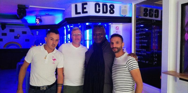 appli rencontre gay icon à Bayonne