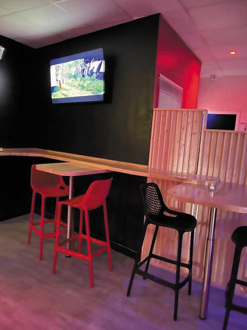 un nouveau style pour le bar de l'Attitude sauna gay à Brest en Bretagne